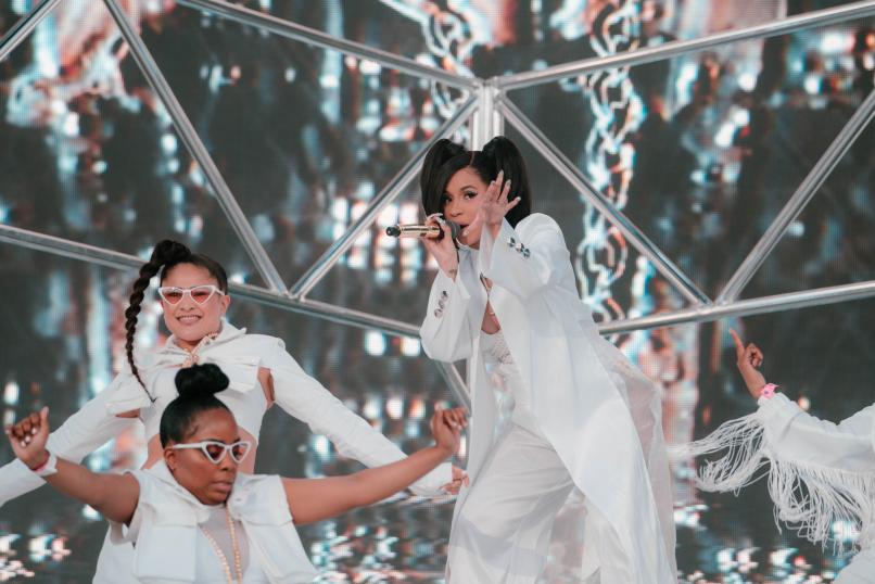 180414 cardi nataliesomekh 08356 Beyoncé Reigns, Rock Dies: Coachella 2018 Festival Review